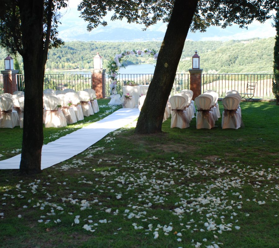 Intimate Italian wedding - wedding in tuscany