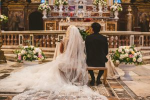 Catholic marriage in church in Italy - Intimate italian weddigs